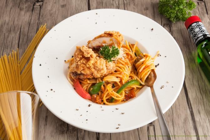 crispy chicken and spaghetti